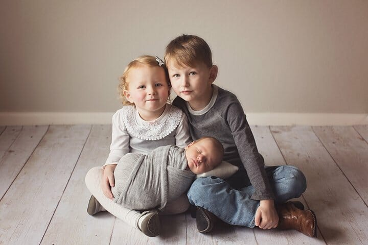Newborn sibling family photography